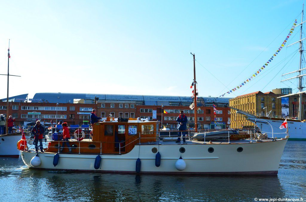 &gt&#x3B; L'arrivée des Little Ships - Dunkerque 2015 .