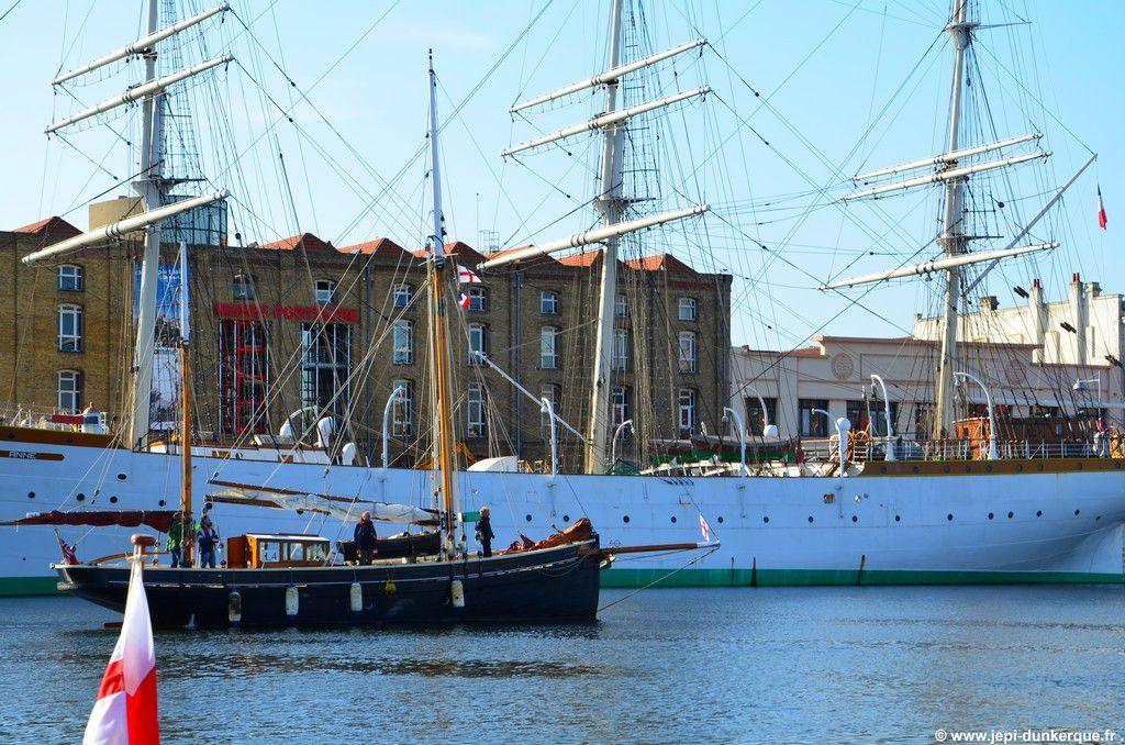 > L'arrivée des Little Ships - Dunkerque 2015 .