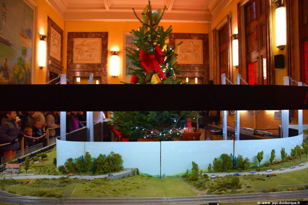 Noël à Dunkerque-Modélisme Ferroviaire à l'Hôtel de Ville 12/2016