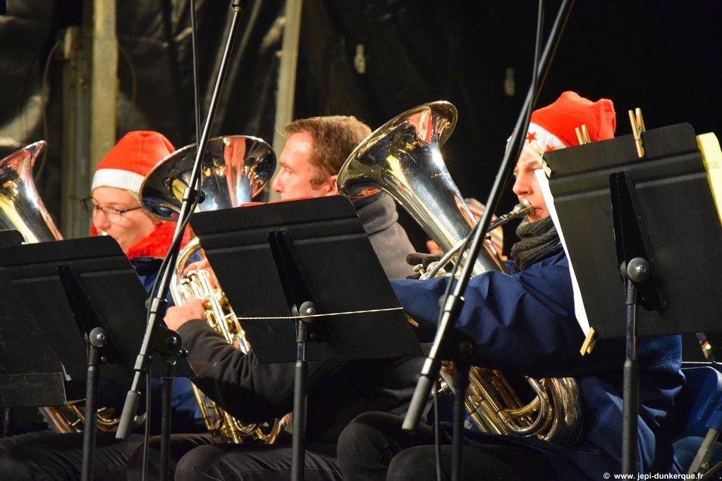 Noël à Dunkerque 2016  Concert et Descente du Père Noël  .