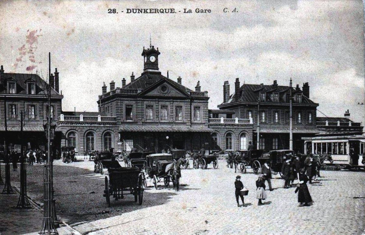 (08) Dunkerque Centre Cartes Postales et Photos anciennes .