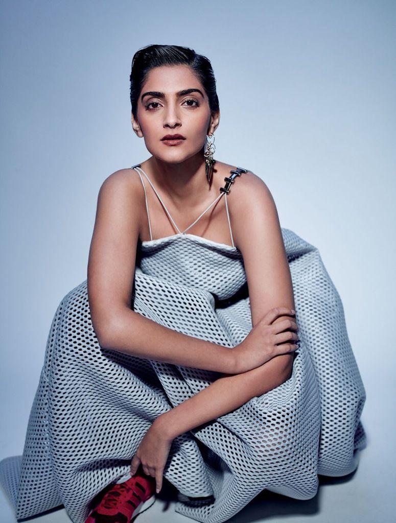Sonam Kapoor, drama queen pour ELLE India - septembre 2016