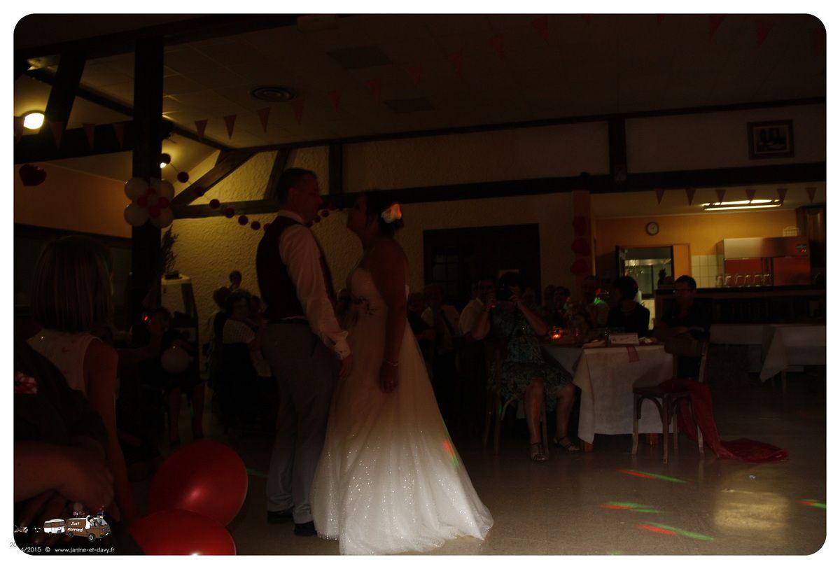 L'ouverture du bal par les mariés