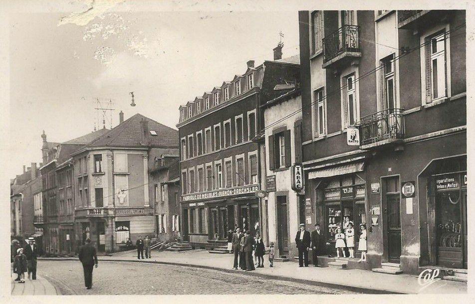L'oeil dans le rétro Algrange rue principale