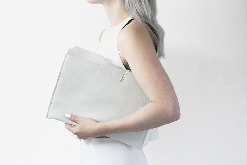 DIY une pochette chic en cuir blanc