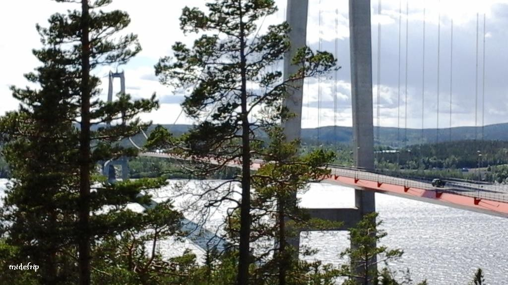 Härnösand est une ville de Suède, chef-lieu de la commune de Härnösand, dans le comté de Västernorrland. 18 003 personnes y vivent.