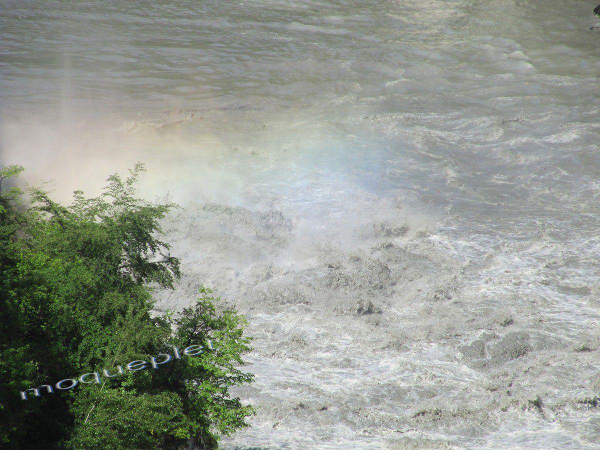 France - Baisse des eaux du rhône à Génissiat