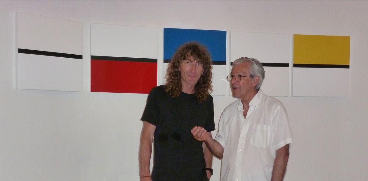 Avec Pascal Fancony, commissaire le l'exposition, devant ma série