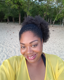 Selfies S COSMETICS DESIGNED FOR YOU