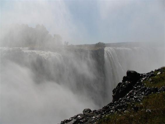 Im Mai floß sehr viel Wasser. Entsprechend war die Gischt, so dass man teilweise kaum etwas sehen konnte...