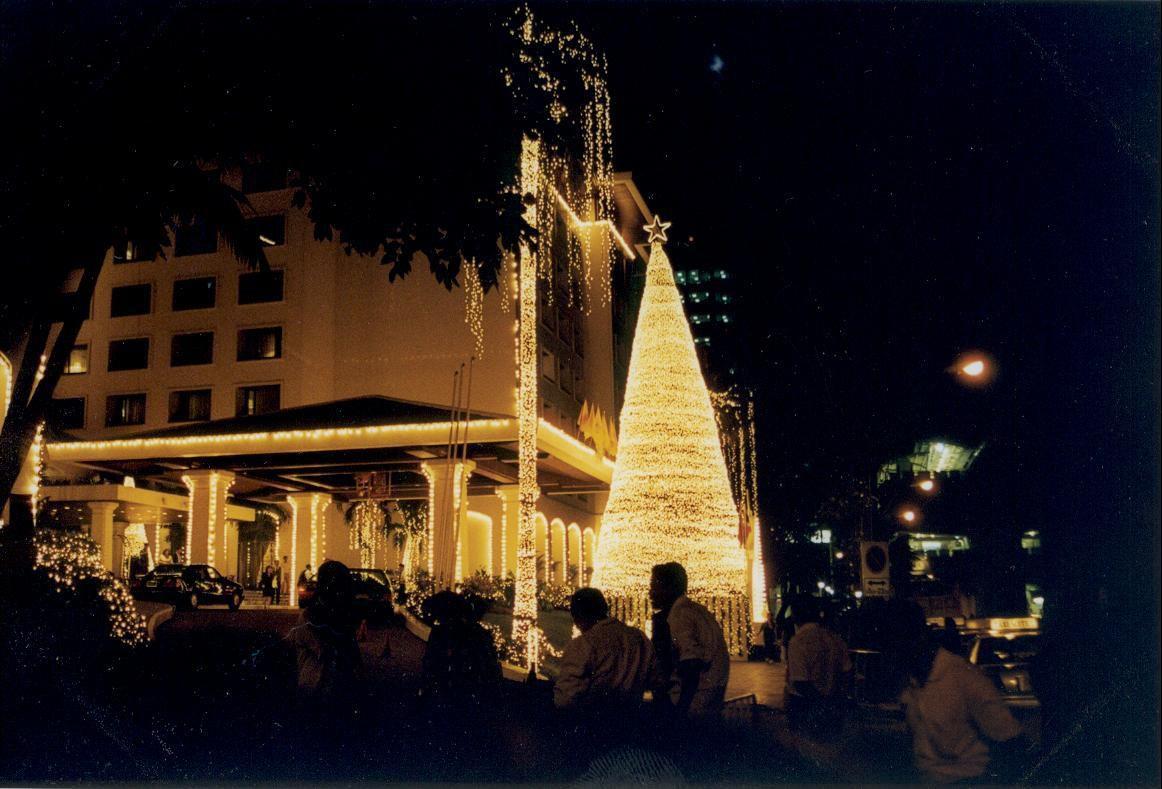 Vorweihnachtsstimmung in Bangkok bei tropischen Temperaturen.