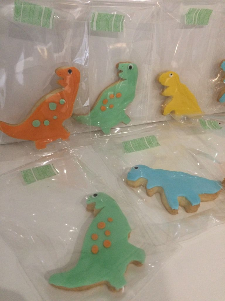 Gâteau Dino 2, cupcakes, sablés &amp&#x3B; cake pops