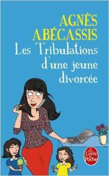"""""""les tribulations d'une jeune divorcée"""" d'Agnès Abécassis - 7.10€ - Empotée, complexée, un seul homme au compteur et incapable de tuer un cafard sans vomir son petit déjeuner : depuis son divorce, le quotidien de Déborah n'est pas facile-facile. Car en retrouvant sa liberté, cette femme au foyer soumise et assistée a découvert une vie de chef de famille, de femme active et d'objet sexuel qu'elle avait ignorée jusqu'ici. Dès lors, les péripéties vont s'enchaîner. Déborah devra apprendre à se déshabiller devant un autre homme que son mari, résister à un patron harceleur, tout en s'occupant de ses deux enfants sans faillir. Mais comment reconstruire une vie de famille quand les hommes que l'on rencontre sont plus pitoyables les uns que les autres ? Entre crises de rire avec les copines et crises de boulimie larmoyantes, Déborah va devoir faire l'apprentissage de sa nouvelle indépendance."""