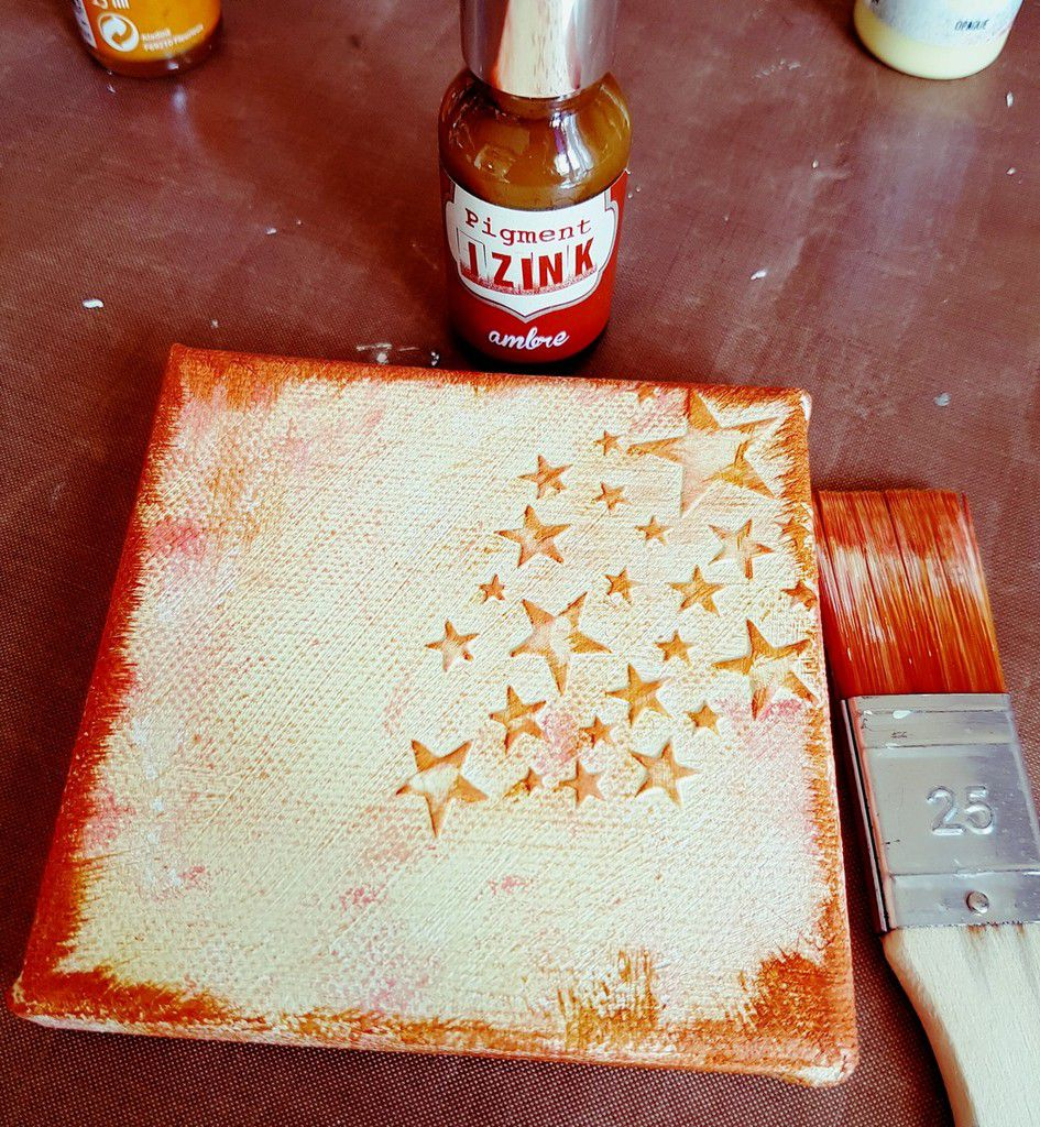 Encrer les bords du canvas avec de l'encre Izink Ambre/Ink the edges of the canvas with Izink ink(amber)