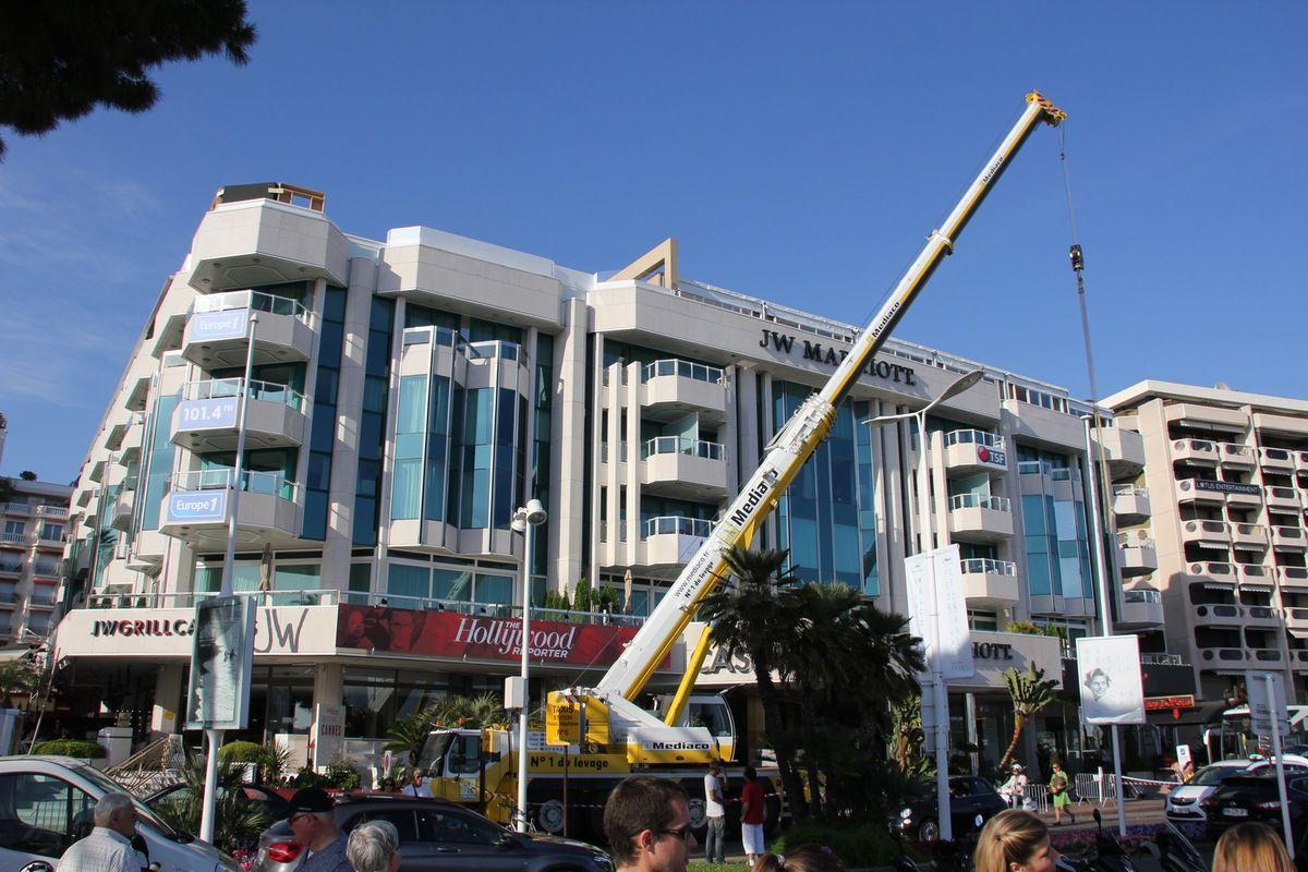 Construction du village Horyou, de l'espace Variety et de La Chambre Noire située au 1er étage du J.W. Marriott. On passera y faire un tour, promis !