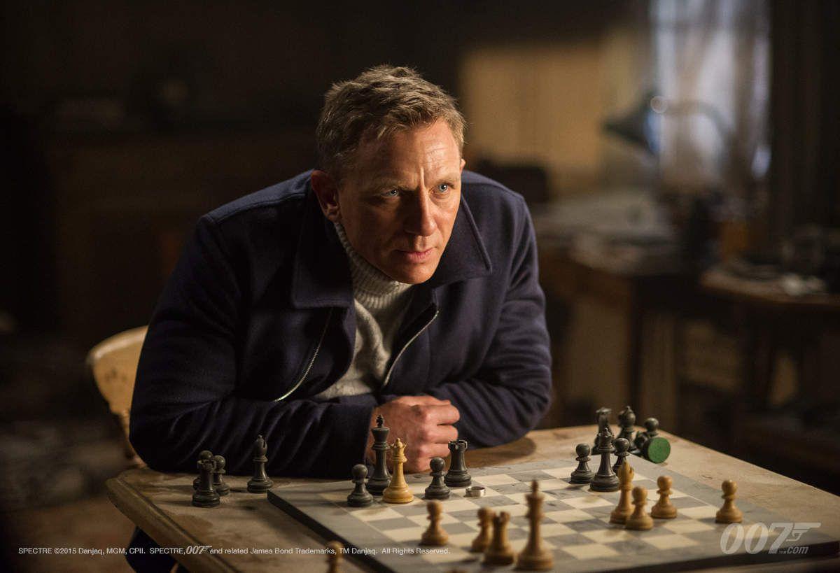 """CRITIQUE: """"007 SPECTRE"""""""