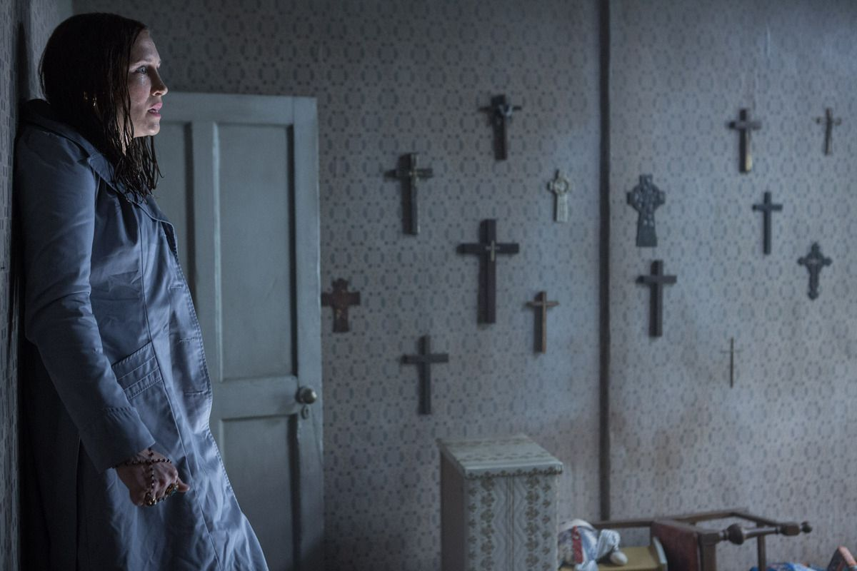 &quot&#x3B;THE CONJURING 2: THE ENFIELD POLTERGEIST&quot&#x3B;, UN TEASER RENVERSANT...