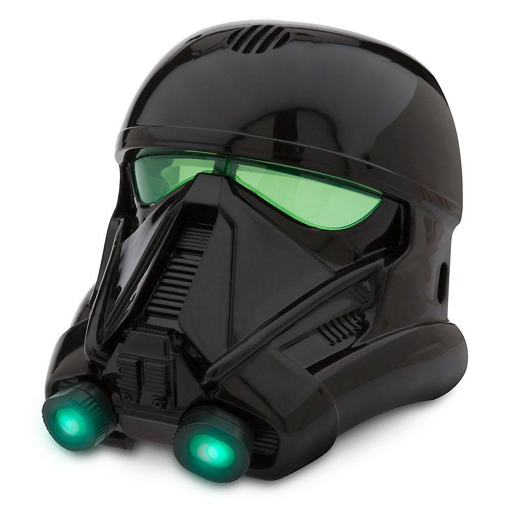 Désormais, vous pourrez vous transformer en terrifiant Death Trooper avec ce superbe masque. Il est lumineux et est doté d'un élément modificateur de voix, de cette manière vous parlerez comme les soldats d''élite espions de l''Empire.
