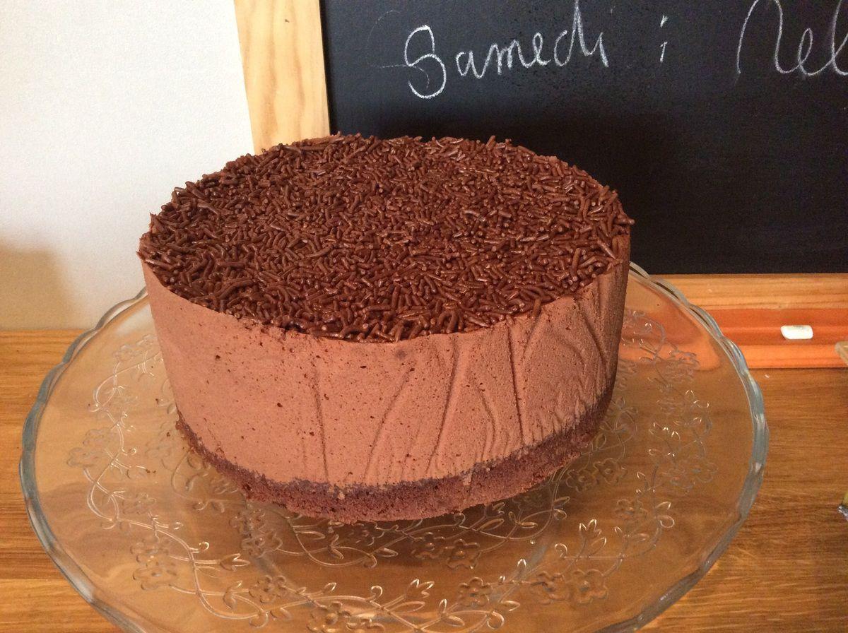 Le gâteau à la mousse au chocolat intense ! ( petit Jésus en culotte de velours inside )