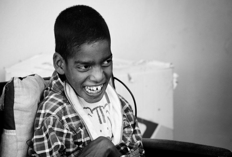 Jiddou, 14 ans, joyeux comme jamais dès qu'il met un pied dans le foyer. Crédit : Mozaikrim/MLK
