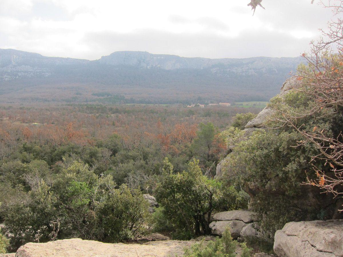 Nans-les-pins, Chemin des rois, plateau du plan d&quot&#x3B;aups, la grotte Castelette, les sources de l'Huveaune
