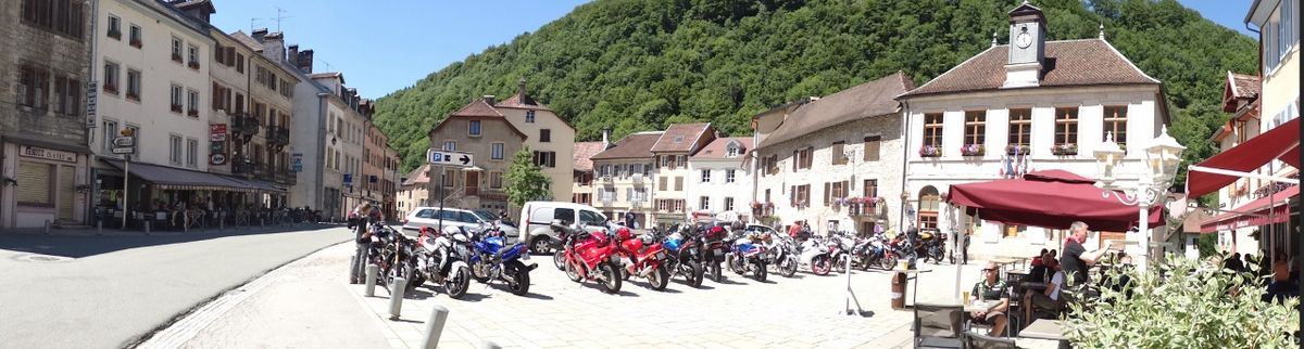 Saint Hyppolite, motards suisses