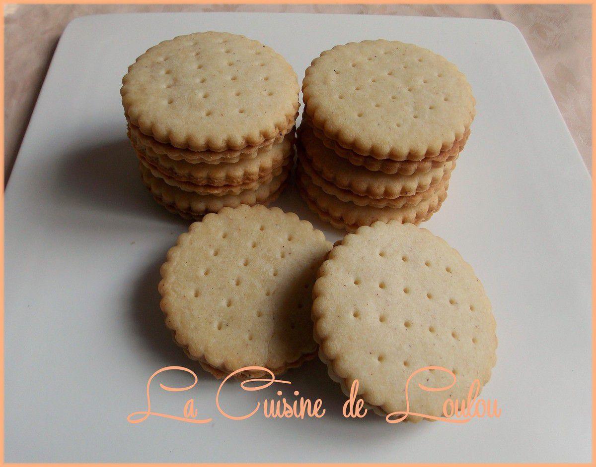 Biscuits type Prince à la cannelle fourrés speculoos