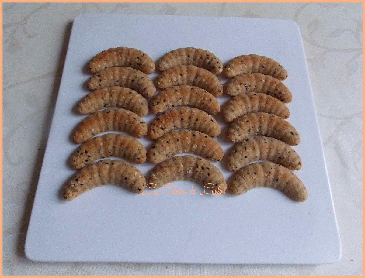 Lunes aux graines de sésame et graines de nigelle
