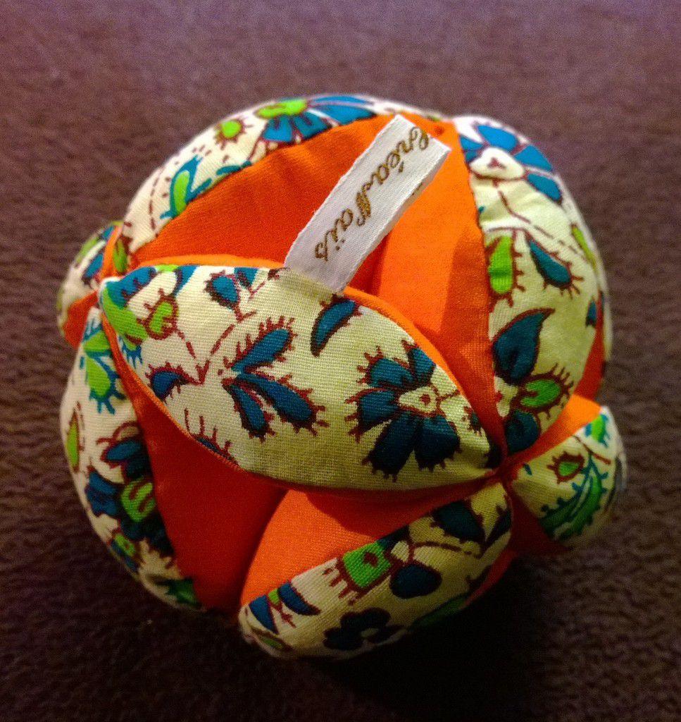 Exceptionnel Balle de préhension Montessori [tutoriel] - Les Trucs des Filles XP33