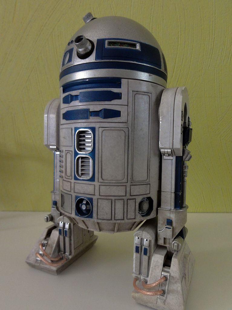 R2 fraichement sorti de son écrin. Autant dire qu'il met déjà tout le monde d'accord!
