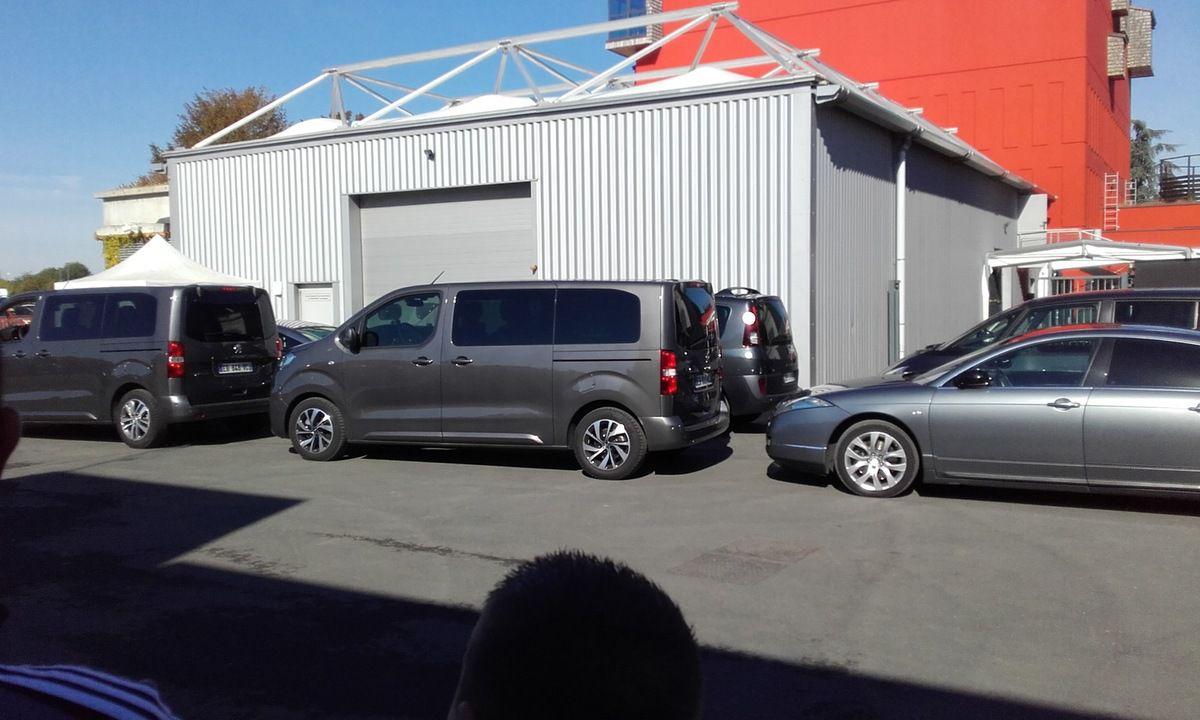 Les véhicules du cortége présidentiel (crédit photo G. Després)
