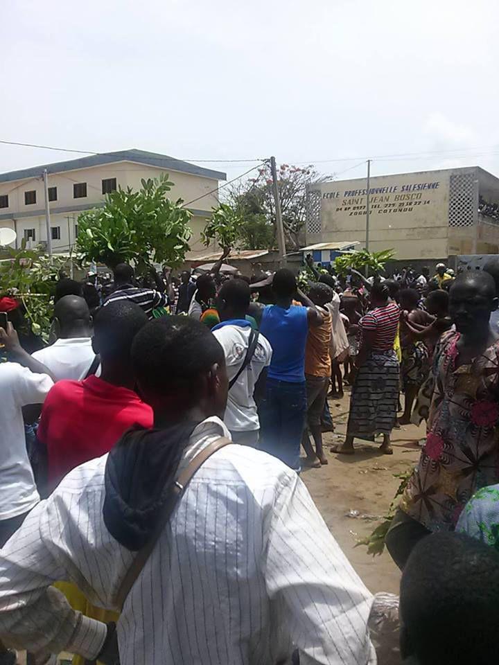BENIN – TENTATIVE DE KIDNAPING DU DEPUTE CANDIDE AZANNAÏ : Boni YAYI met le feu dans COTONOU !!!