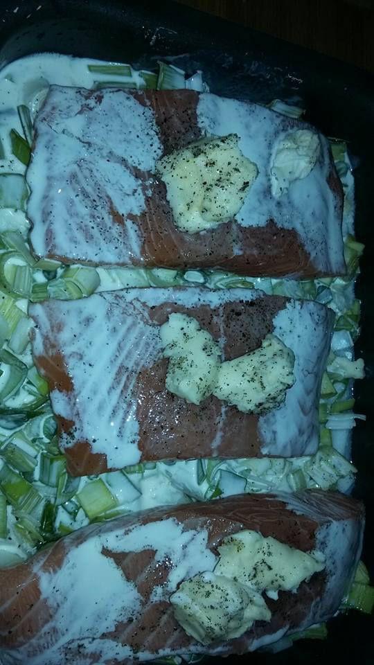 Filet de saumon sur un lit de poireaux creme delices d 39 edith - Poisson sur lit de poireaux ...