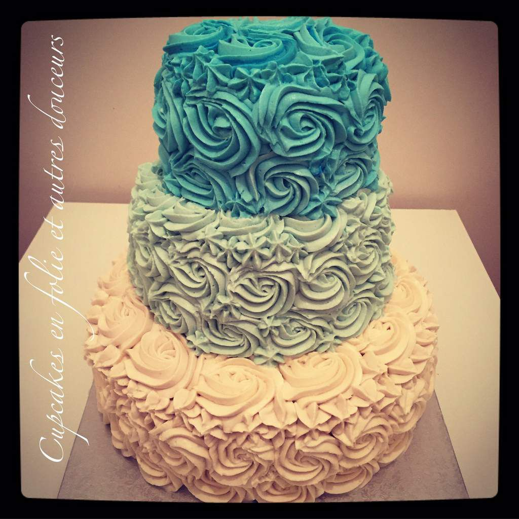 Rose Cake en Bleu et Blanc
