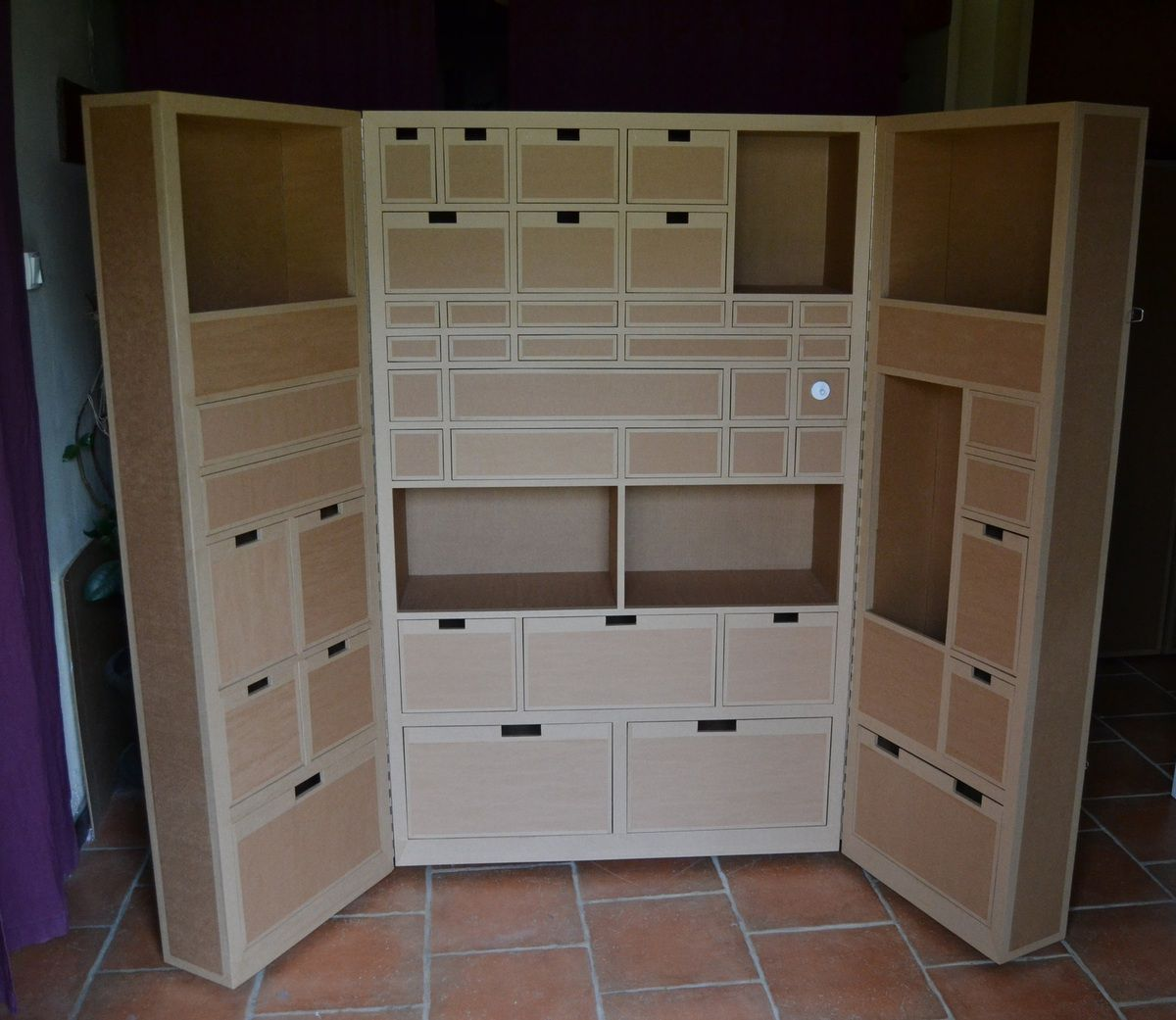 armoire en carton meubles en carton angers. Black Bedroom Furniture Sets. Home Design Ideas