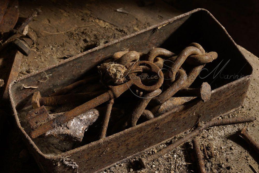 La vieille boite de clefs rouill es moipourvous entrez sans frapper en au - Vieilles boites en fer ...