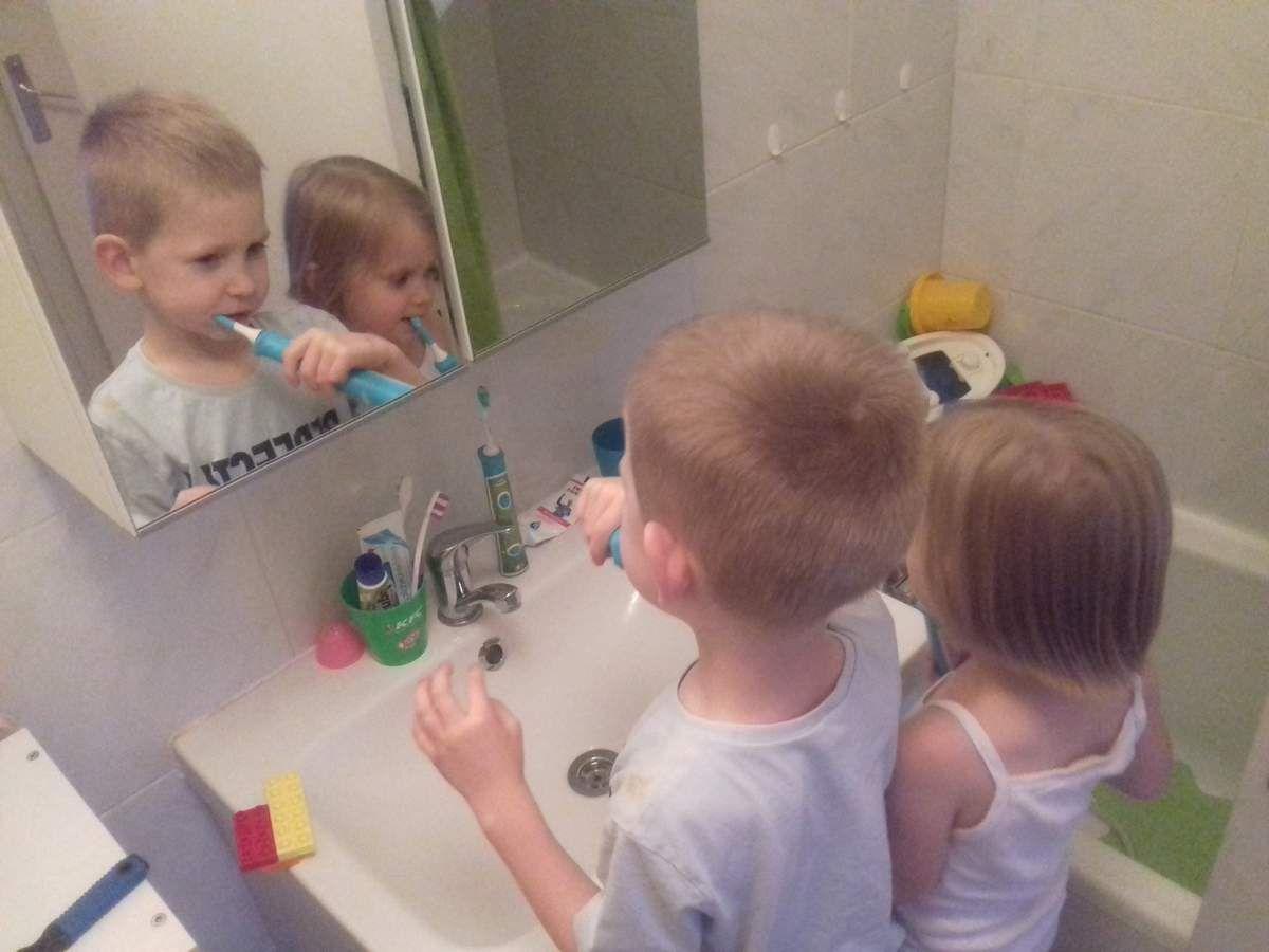 [Test] Papa Online ! a testé pour vous... la brosse à dents connectée Sonicare For Kids Bluetooth