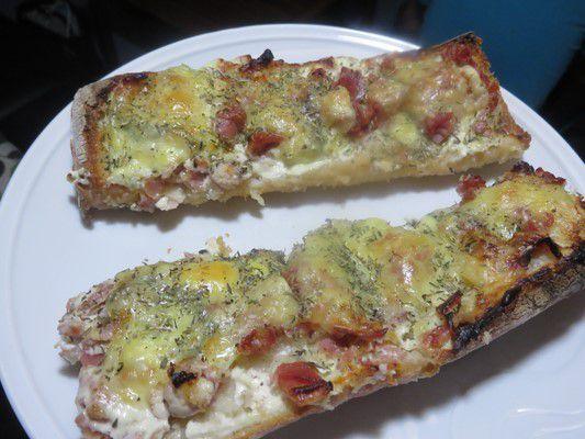 Tartines moelleuses et grillées au morbier et jambon