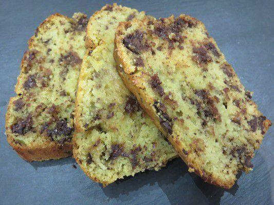 Cake aux amandes chocolat et pêches de bernard!