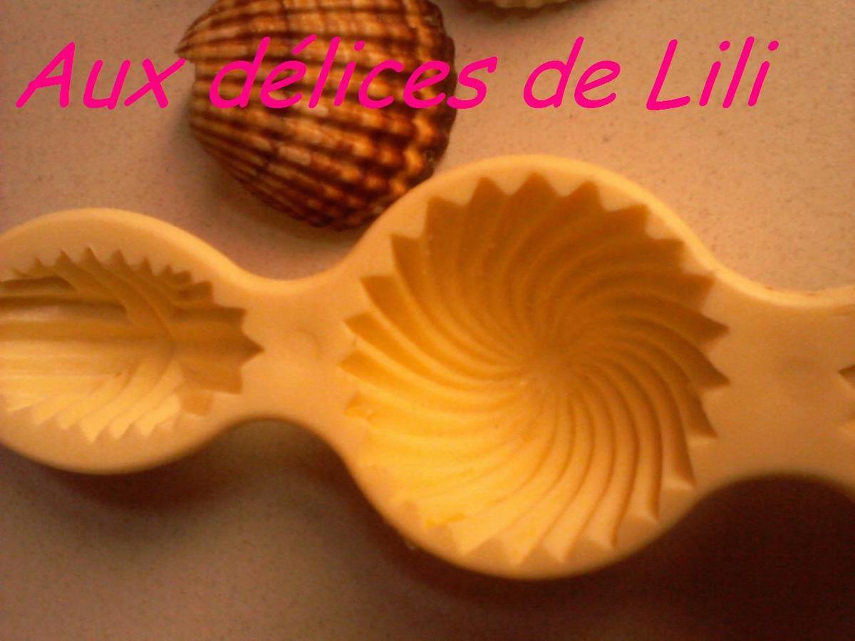 DÉCORATION DE GÂTEAUX (FORME COQUILLAGE)