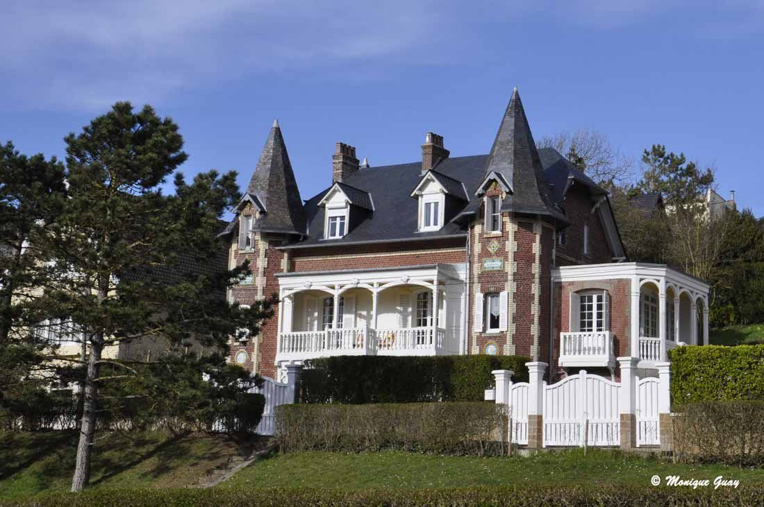 Cette villa me conviendrait parfaitement.