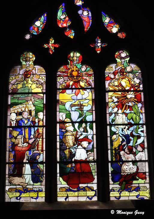 Vitraux de la chapelle de Toulon.