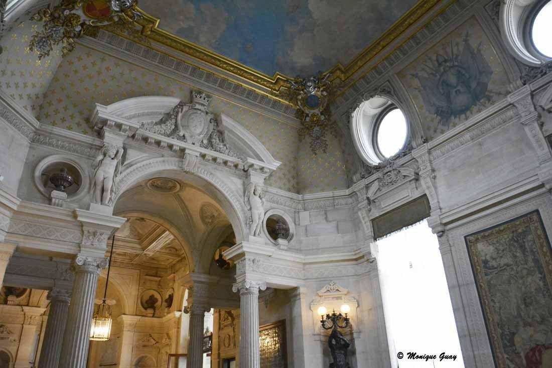 Chantilly: escalier et vestibule d'honneur