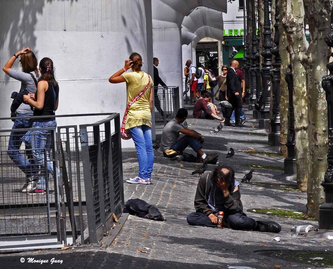 "Ma photo intitulée ""INDIFFERENCE"" ayant eu 39 points. Cliché pris à Paris le 16 août 2011 vers 14h30."