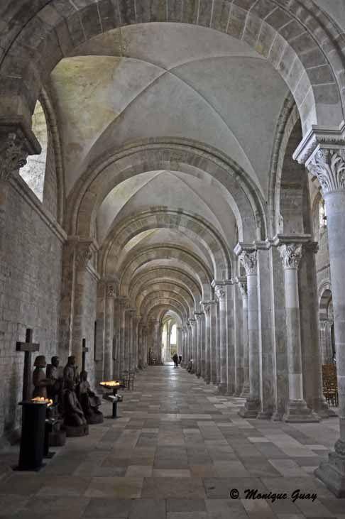 Basilique de Vézelay: intérieur