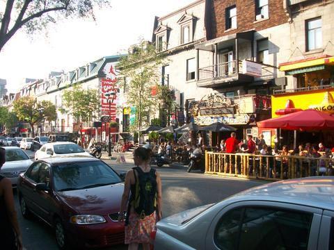 Rue Saint Denis dans le quartier Latin