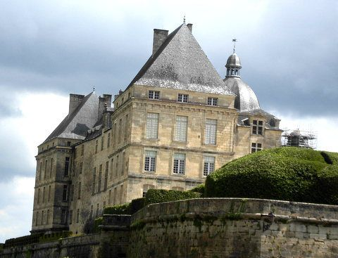 #EnFranceAussi : Le château de Hautefort en Dordogne