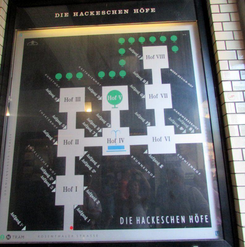 Hackesche Höfe vs Haus Schwarzenberg, les contrastes de Berlin
