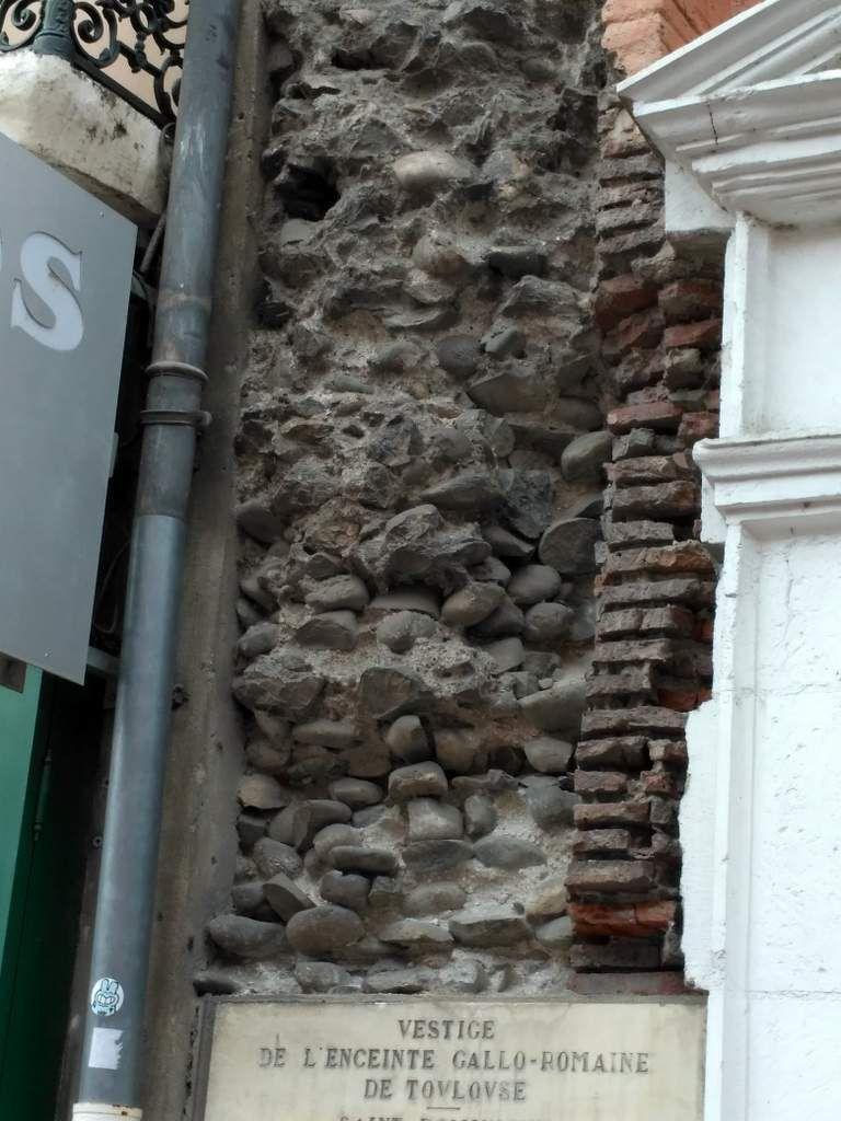 Un morceau de mur âgé de plus de 2000 ans