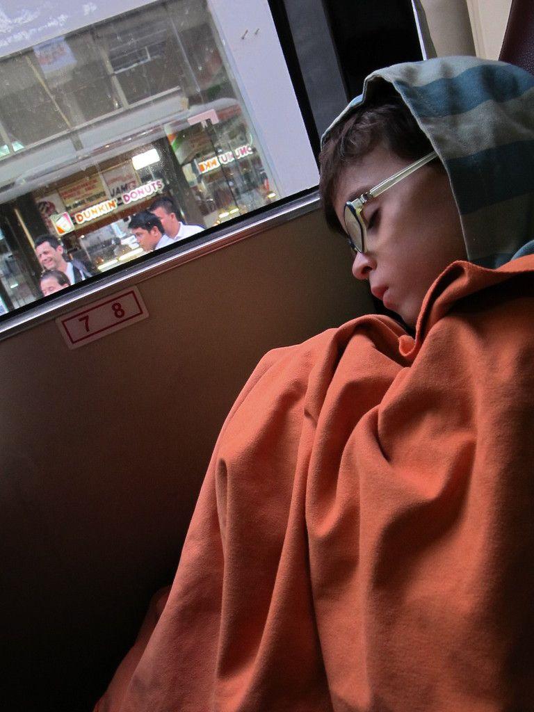 musique et clim à donf, partis à 2h du matin de Ho chi Minh, arrivée prévue dans l'après-midi, dodo...